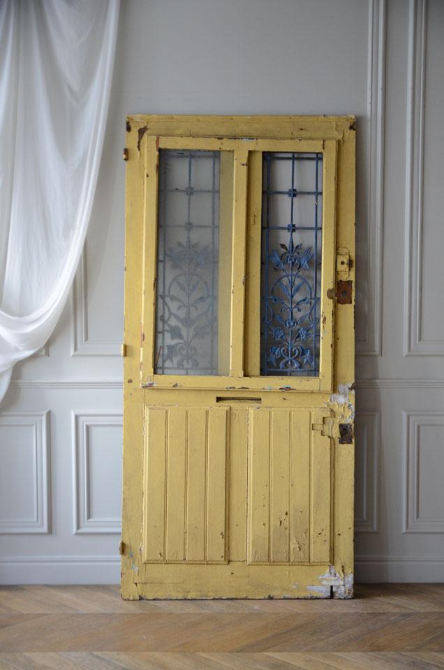 ドア裏面8