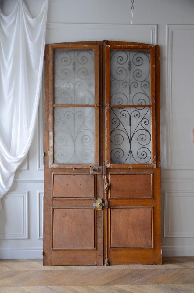 ドア裏面10